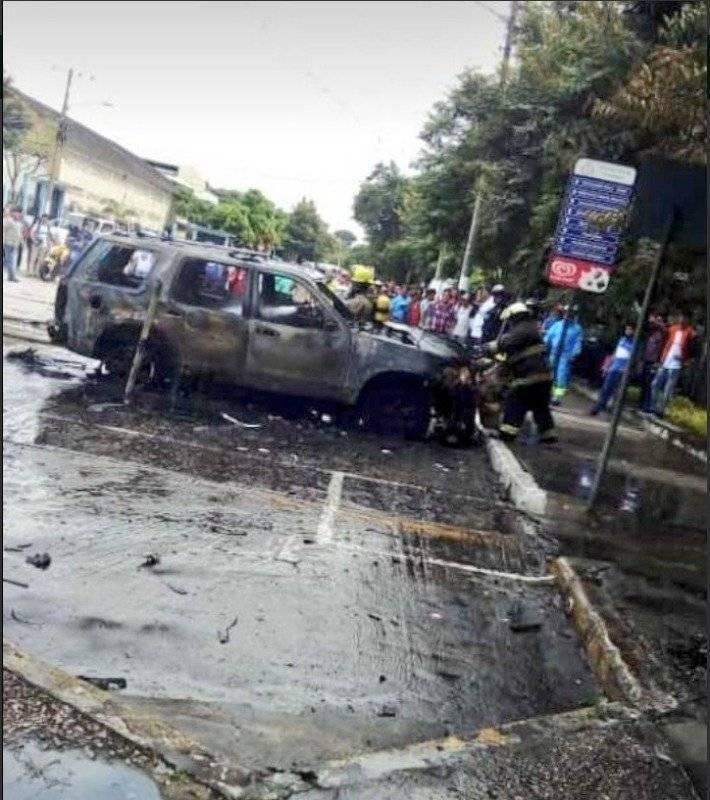 Dos vehículos se incendiaron en la Universidad Estatal Twitter