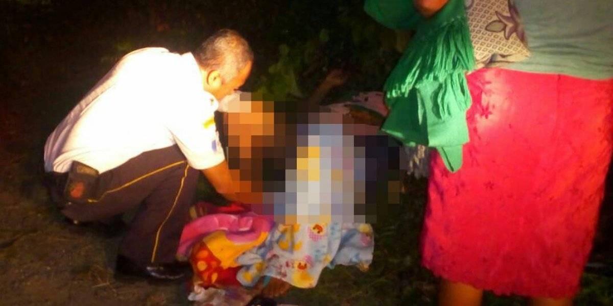 Suchitepéquez: Madre da a luz a la orilla de un camino y en la penumbra de la madrugada