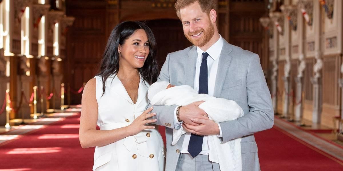 Filho de Meghan Markle e príncipe Harry é apresentado ao mundo; veja fotos