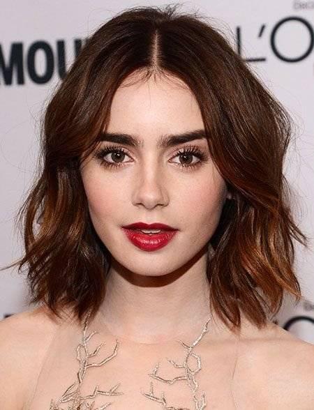 pelo ondulado corto mujer