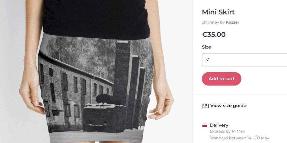 Venden minifaldas con fotos del campo de concentración de Auschwitz