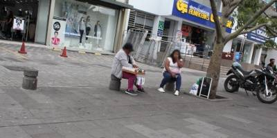 Venta de cigarrillos en las calles del norte de Quito