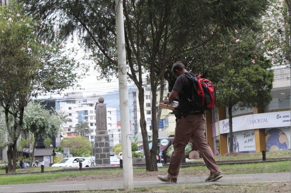 Venta de cigarrillos en las calles del norte de Quito Metro Ecuador