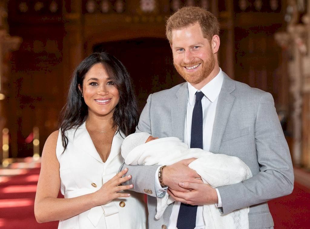 Meghan Markle, el príncpe Harry y su hijo