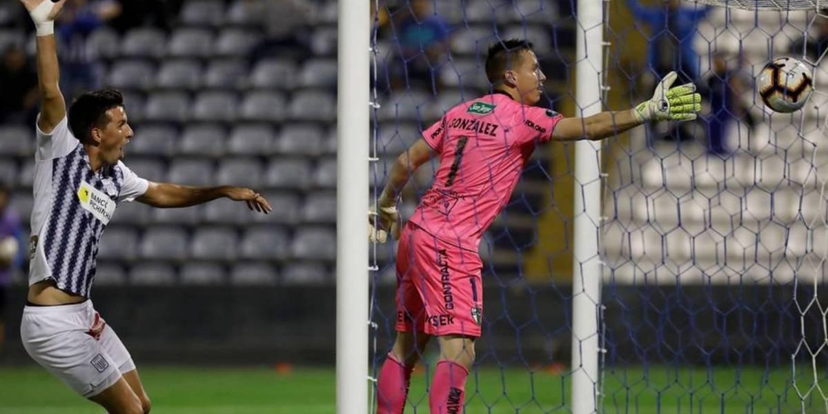 VIDEO: El insólito autogol que anotó un arquero en la Copa Libertadores