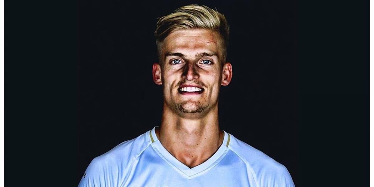 Jogador da série B holandesa finge doença para assistir partida do Ajax e é despedido de seu time