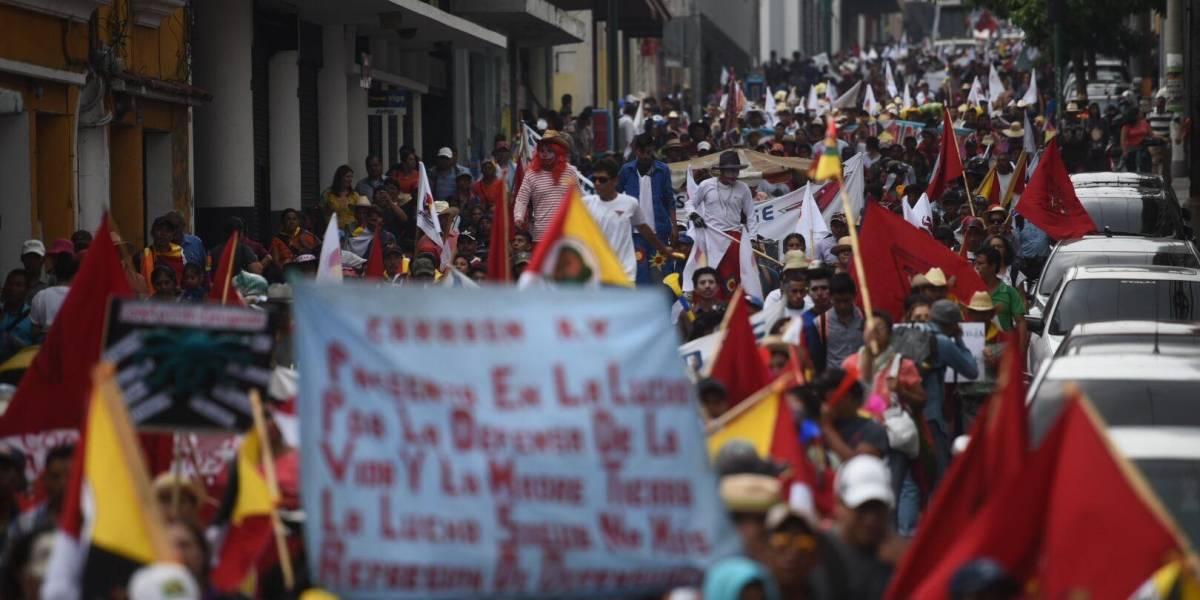 Cientos de manifestantes piden el fin de la corrupción e impunidad
