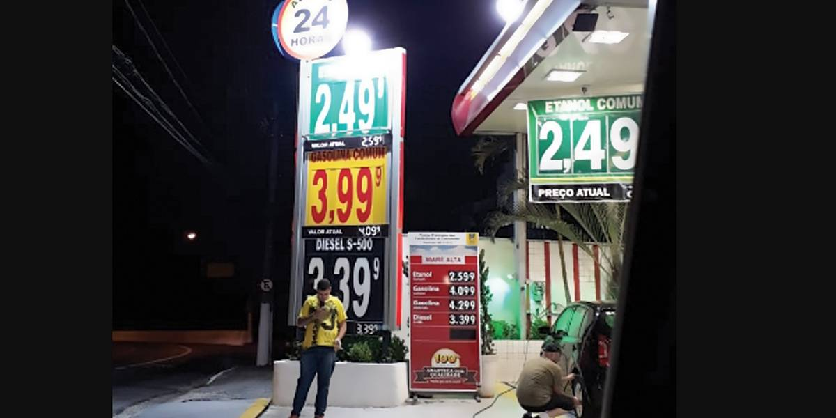 Postos de gasolina fazem pegadinha com preços dos combustíveis