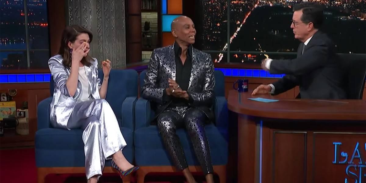 Shantay, you stay! Anne Hathaway cai no choro ao conhecer RuPaul