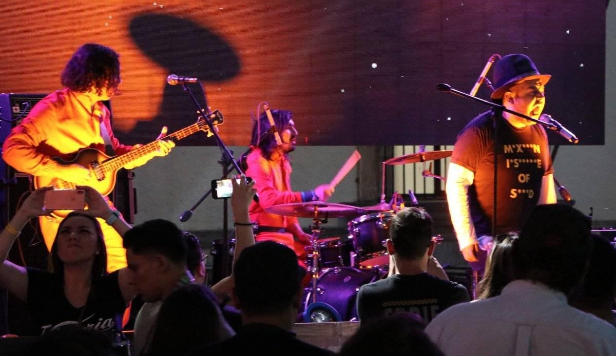 El concierto fue patrocinado por Cerveza Victoria Axel Amézquita