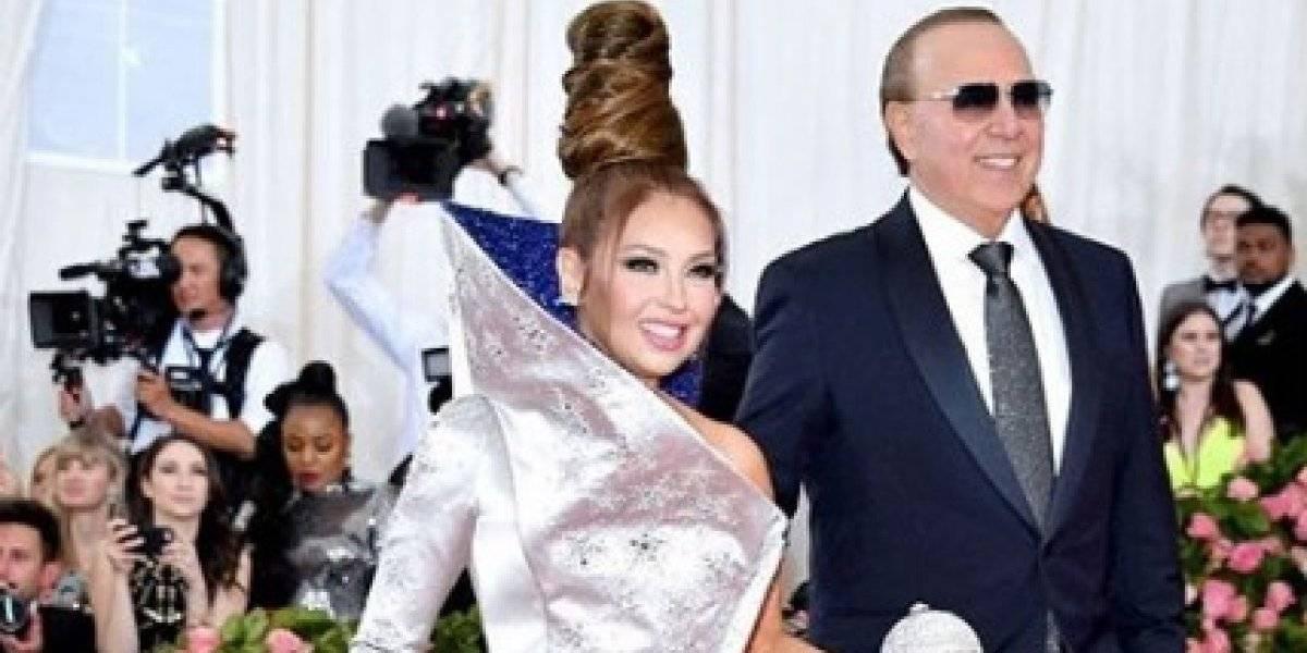 """""""Hacen pedazos"""" al esposo de Thalía por publicar esta foto de ella"""