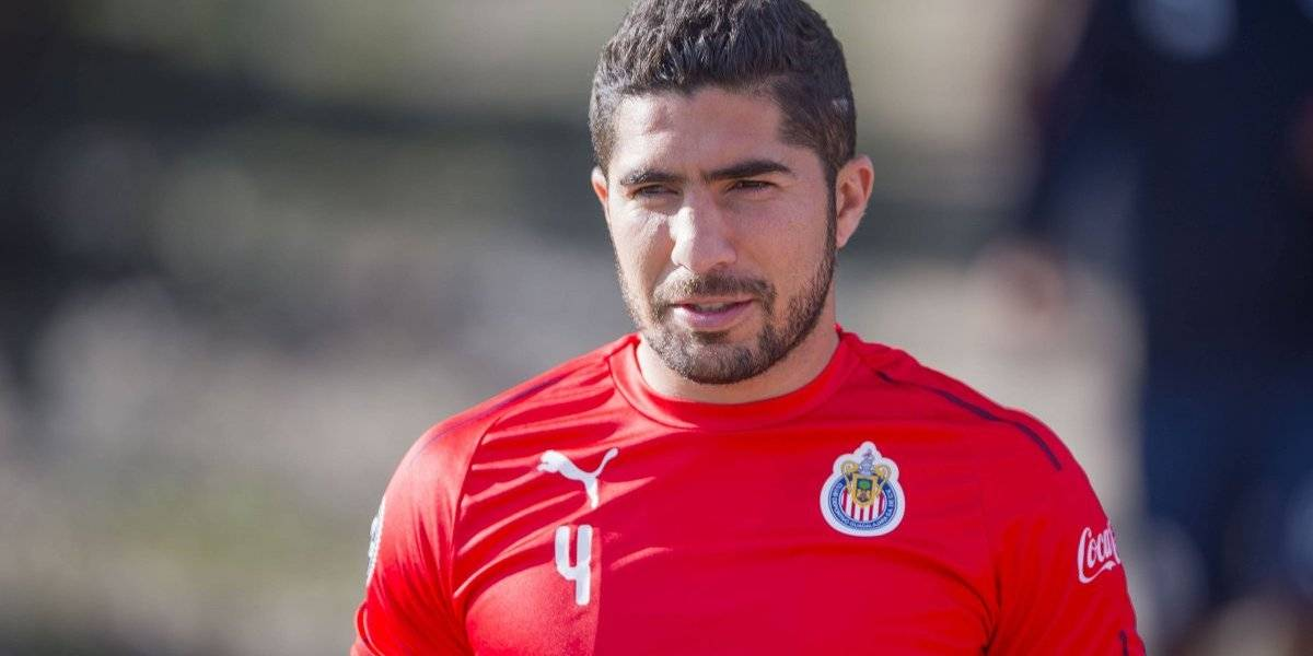 Chivas oficializa salida de Jair Pereira