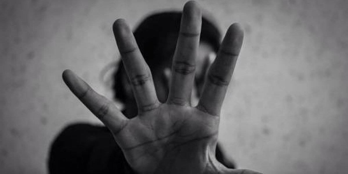 Hombre violaba a sus dos hijas y la madre de las menores evitaba que quedaran embarazadas