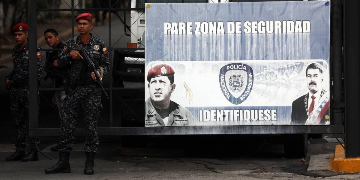 """Gobierno de Ecuador rechaza detención de Edgar Zambrano y que """"no aporta a salida"""" en Venezuela"""