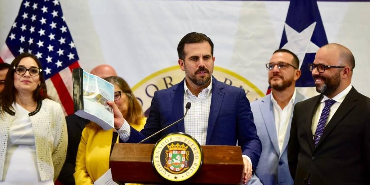 Gobernador anuncia reglamento para agilizar permisos