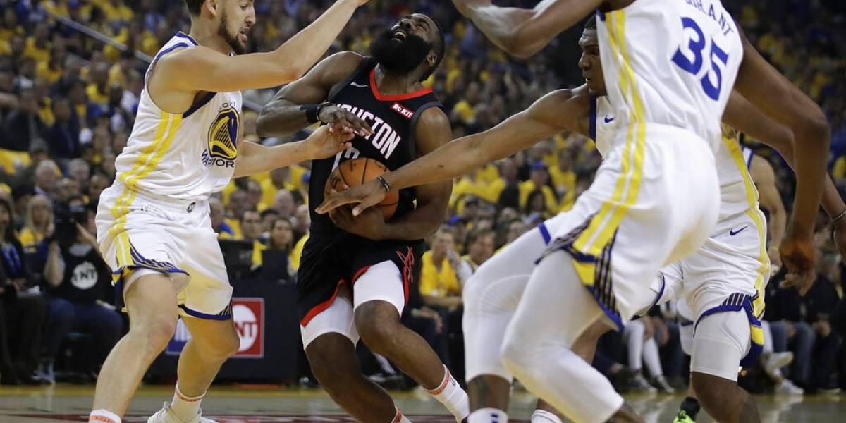 Warriors sobreviven ante los Rockets a pesar de lesión de Kevin Durant