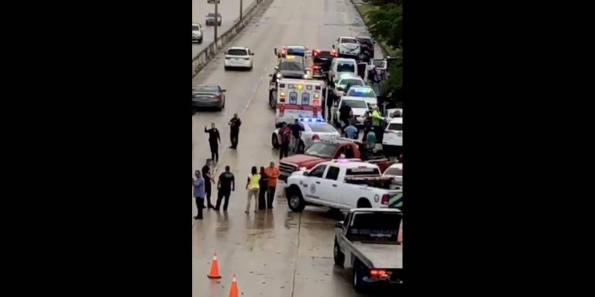 Reportan choque con varios vehículos en el expreso Martínez Nadal