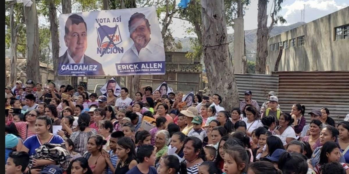 Candidato de FCN-Nación lleva a la playa a las madres de San Pedro Ayampuc