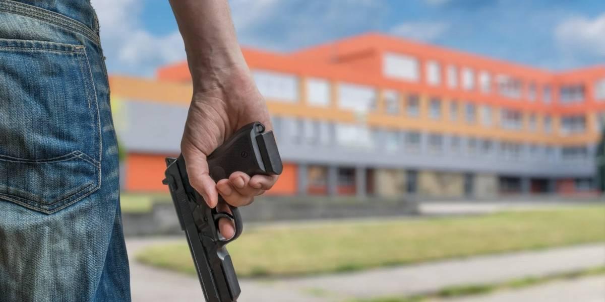 Florida: Maestros podrán ir armados para defender a alumnos de tiroteos