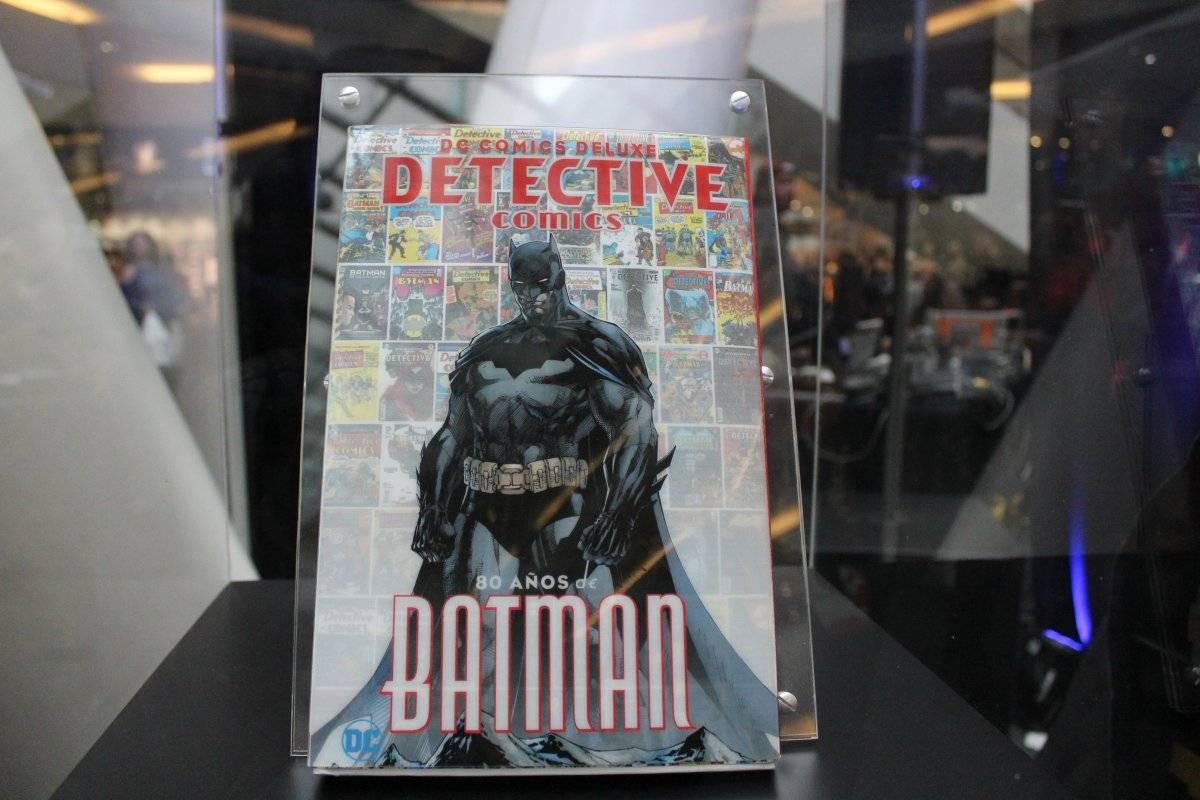 Deluxe Detective Comics, es otro de los números conmemorativos para Batman Axel Amézquita