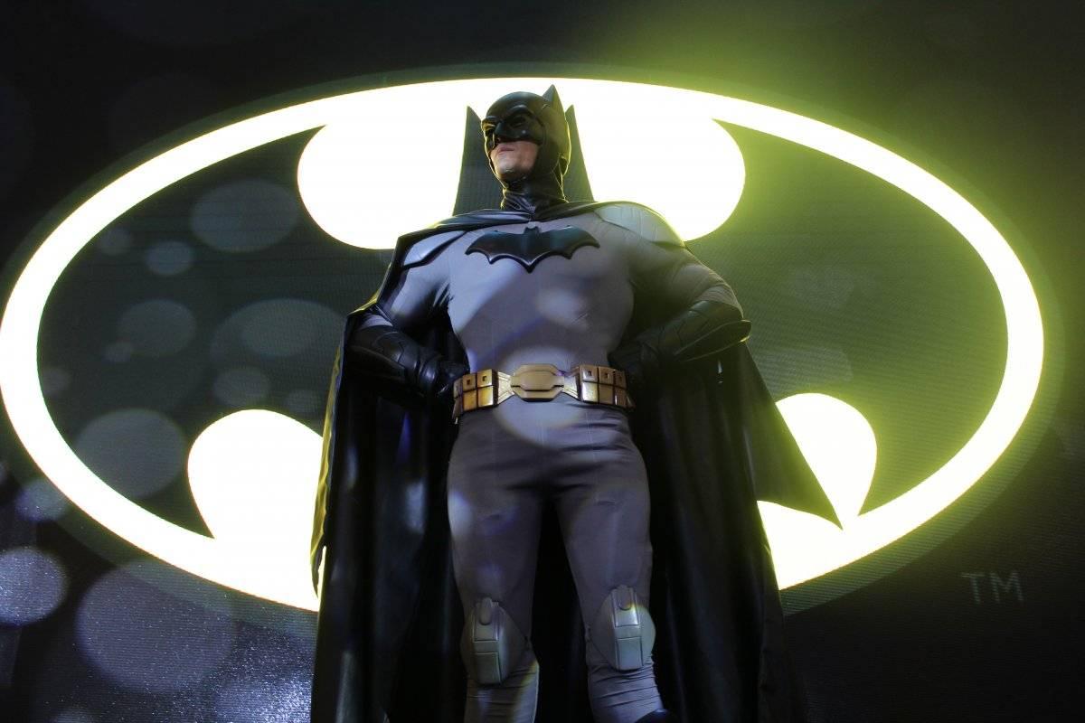 El hombre murciélago estuvo presente en Reforma 222 Axel Amézquita