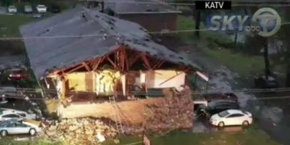Lluvias y fuertes vientos dejan heridos en Arkansas