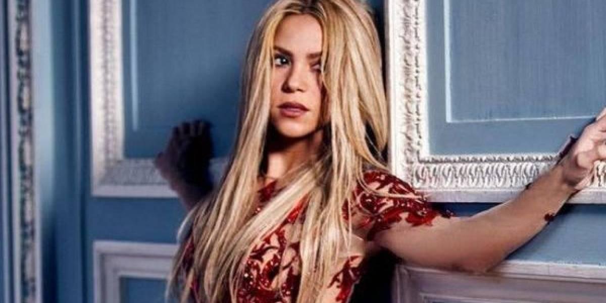El abdomen de infarto que Shakira dejó ver al levantarse la blusa