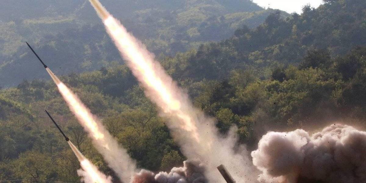 """Un sonriente Kim Jong-un supervisó los lanzamientos: revelan que tipo de misiles probó Corea del Norte para """"amenazar"""" a Estados Unidos"""
