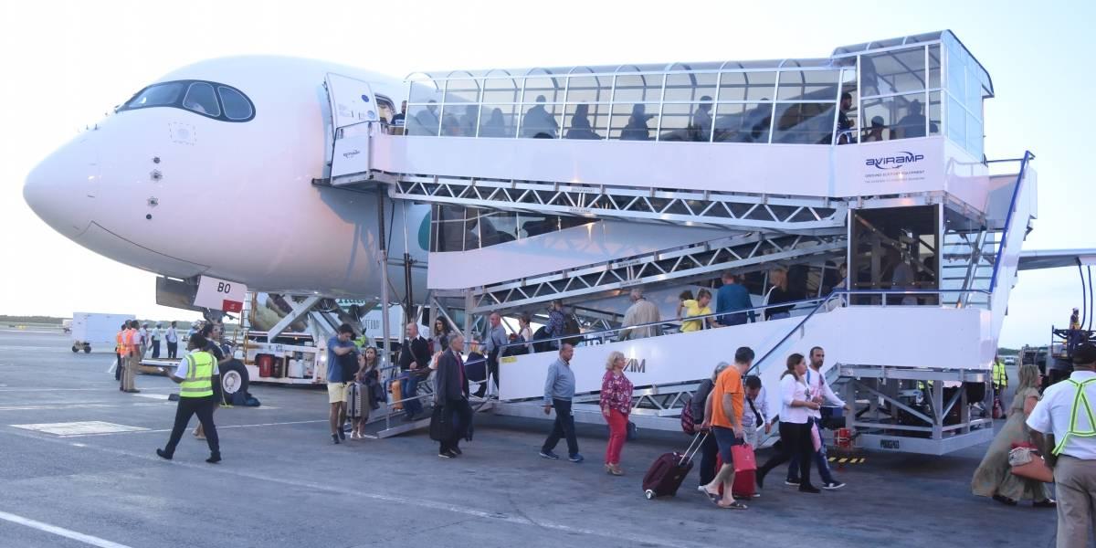 Línea aérea Evelop realiza su primer vuelo a Punta Cana en nuevo avión