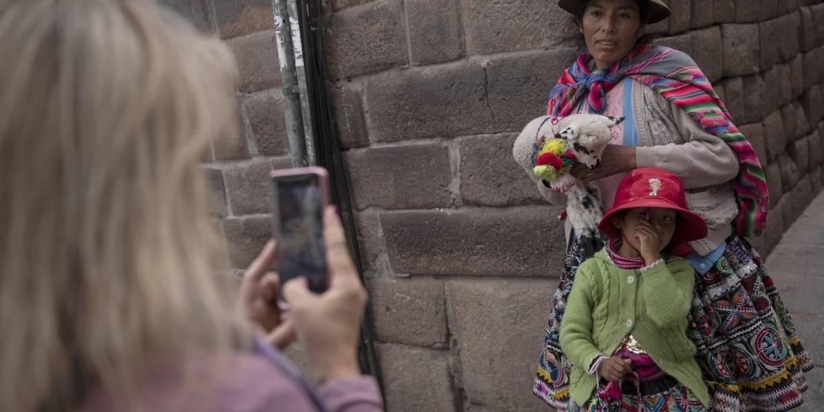 """Perú quiere prohibir que niños se llamen """"Tony Stark"""" o """"Hitler"""""""