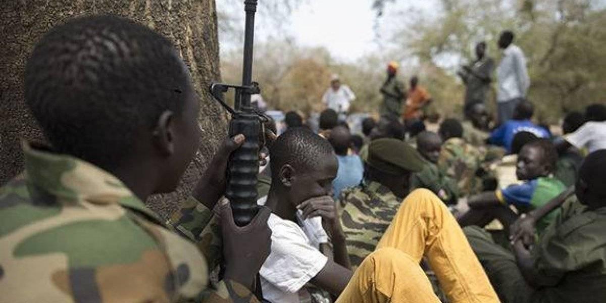 Desmovilizan en Nigeria a casi 900 niños soldados que combatían a Boko Haram