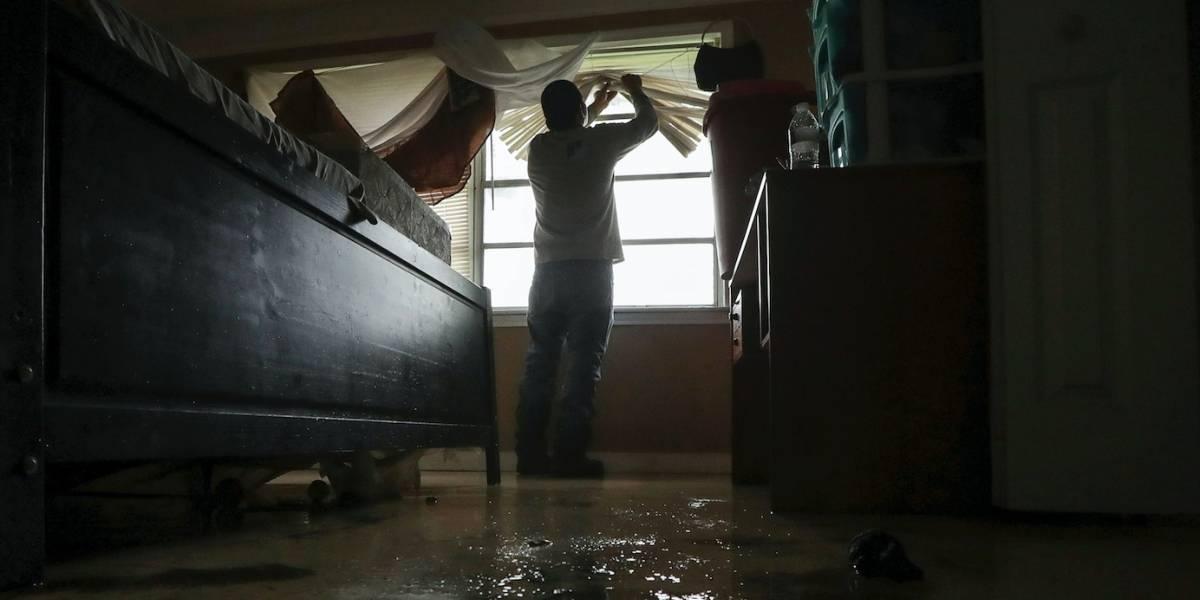 Escuelas cierran en Houston por posibles inundaciones
