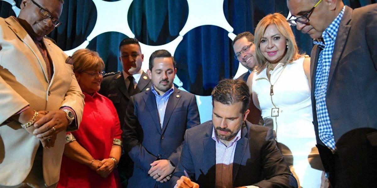Gobernador aumenta a 30 los días de vacaciones a oficiales correccionales