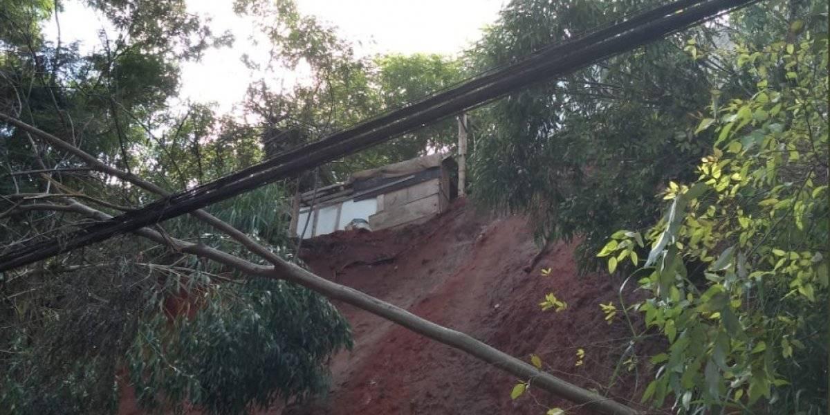 Terra de barrancos que cederam na capital paulista em março ainda não foram totalmente removidas