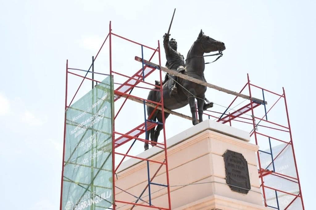 Monumento ecuestre de Simón Bolívar en Barranquilla. Jairo Cassiani