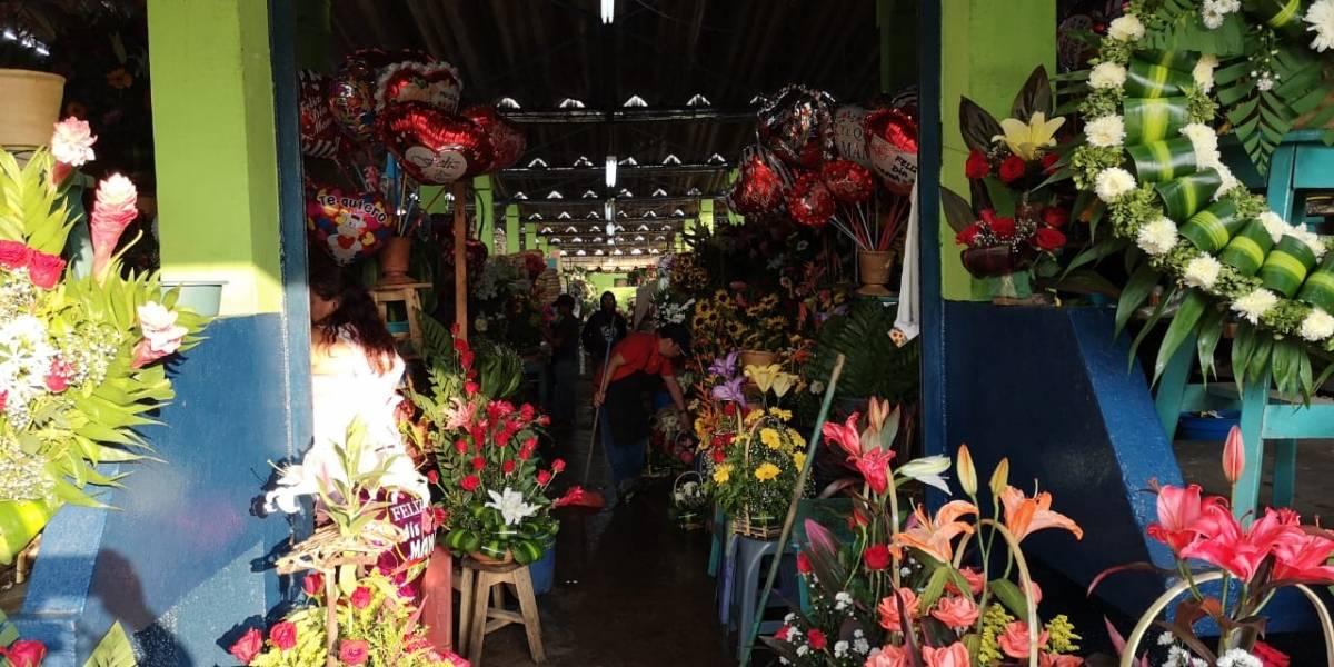 Chocolates, flores y música para celebrar a mamá