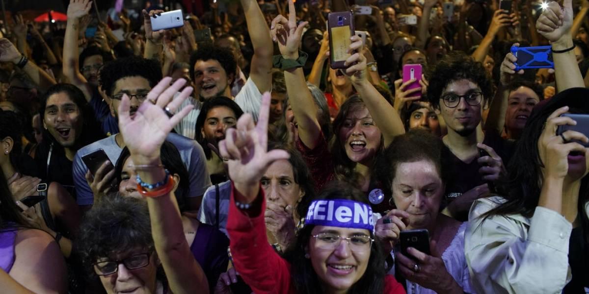 Miles protestan en Brasil contra recortes a la educación