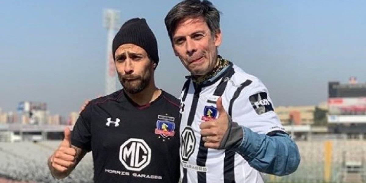 """Nestor Cantillana le regaló a """"Mago"""" Valdivia el clásico gorro de """"Marco"""" de """"Pacto de sangre"""""""