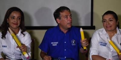 Conferencia de Edwin Escobar.