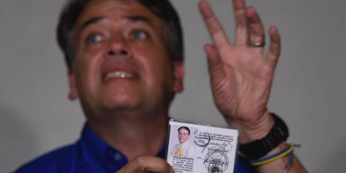 Escobar reta a Torres a un debate, para discutir sus planes de gobierno