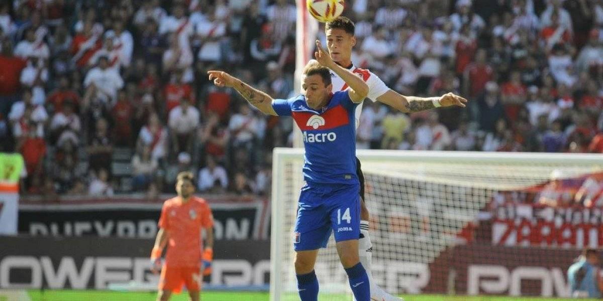 Montillo eleva sus opciones para ser el 10 de la U y Pitu Barrientos se mete en la pelea