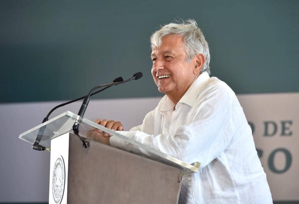 El político tabasqueño visitó Nayarit y Jalisco este domingo. Foto: Presidencia de la República.