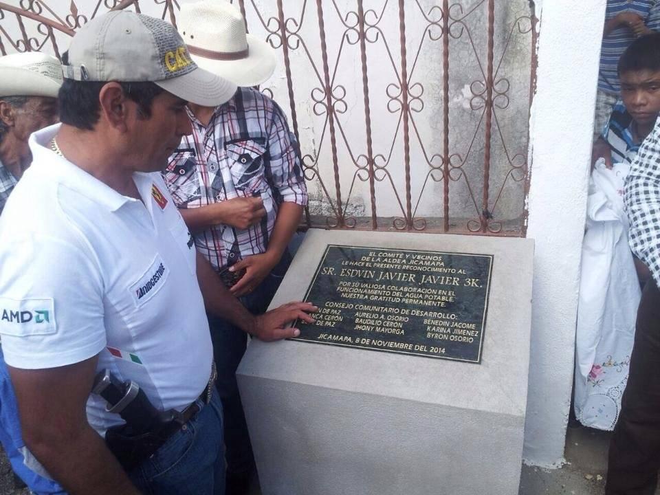 """Esduin Javier es conocido como """"Tres Kiebres""""."""