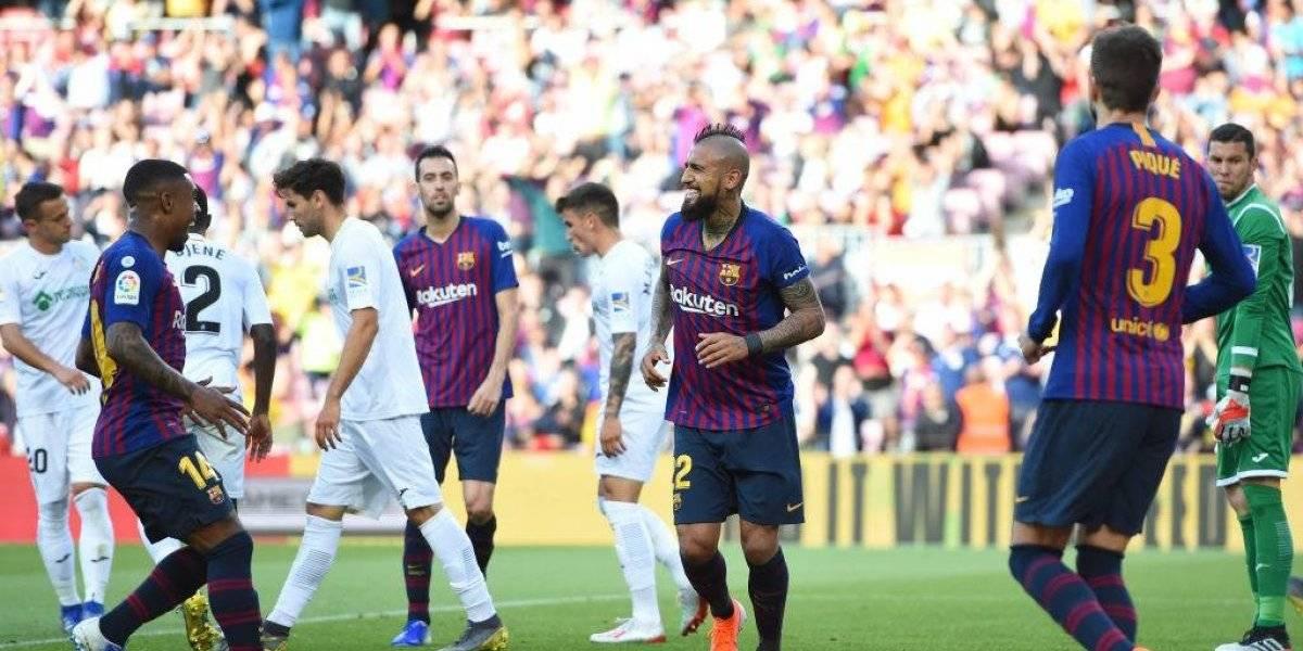 Barcelona vuelve a sonreír gracias a un Arturo Vidal goleador
