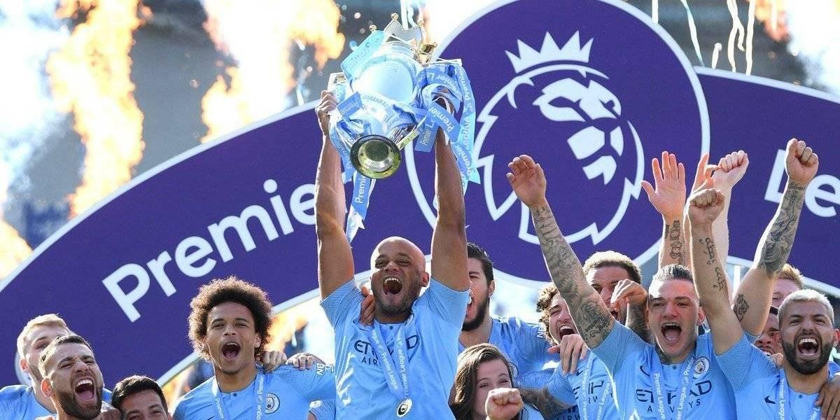 Guardiola y Manchester City campeones de una Premier League definida por un punto