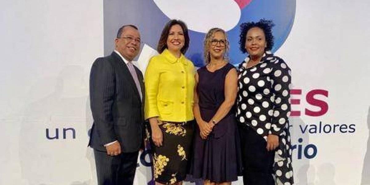 """Con presencia de Margarita Cedeño celebran quinto aniversario """"Señales TV"""""""