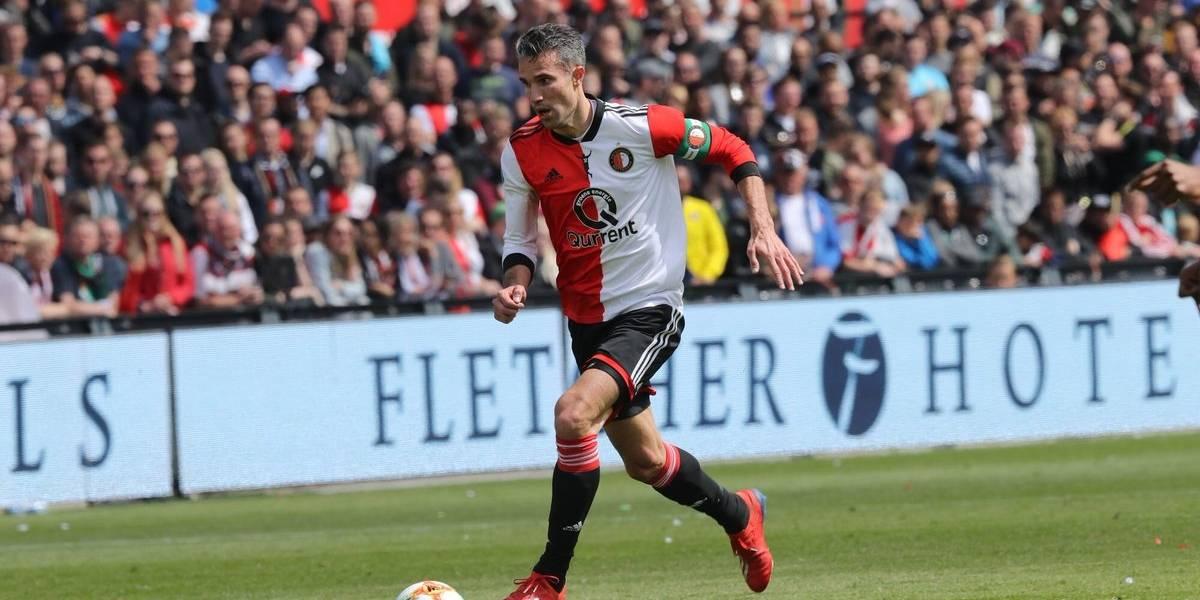 Robin van Persie dice adiós con el club que lo vio nacer