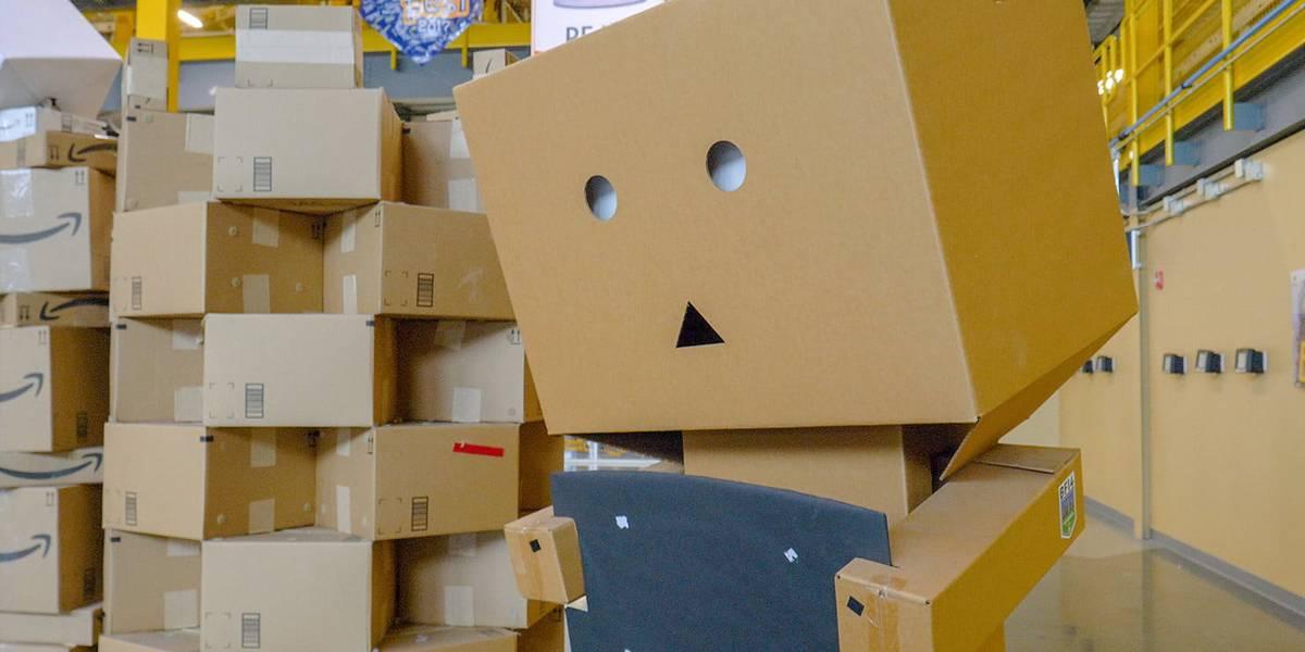 Adiós empleos: Amazon cambia a humanos por robots para empacar paquetes