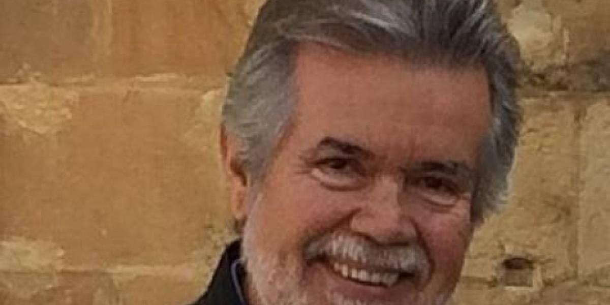 José Luis Vega, director de la RAE de Puerto Rico, defiende uso de las redes
