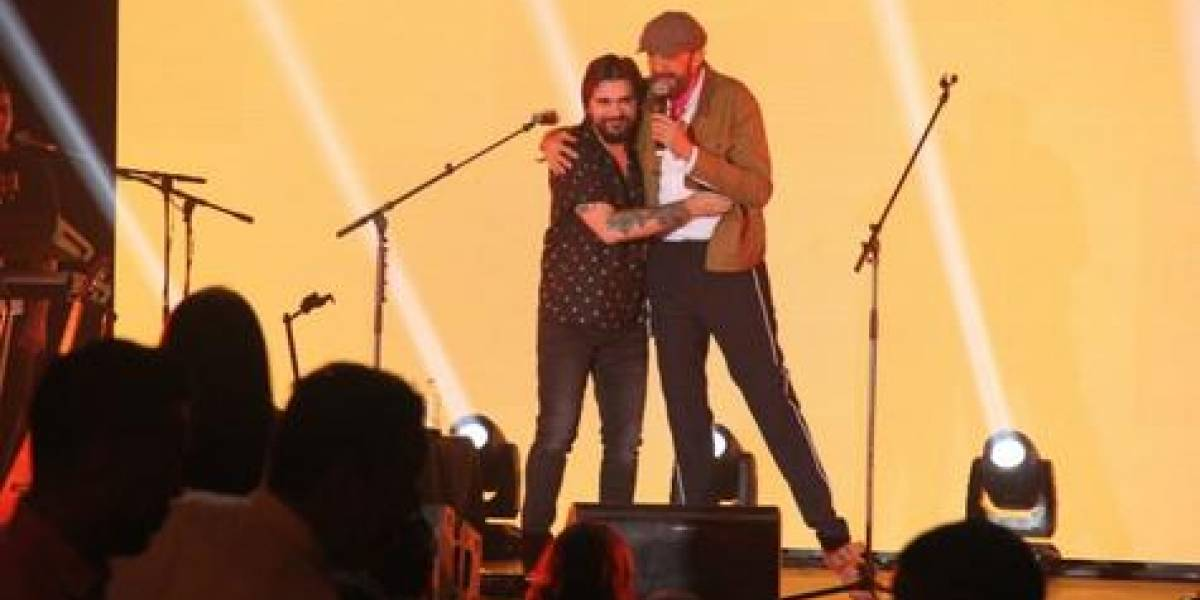 Juanes canta con sus amigos por la merecida paz de Colombia